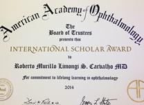 "O Dr. Roberto Limongi acaba de receber o prêmio: ""International Scholar Award"""